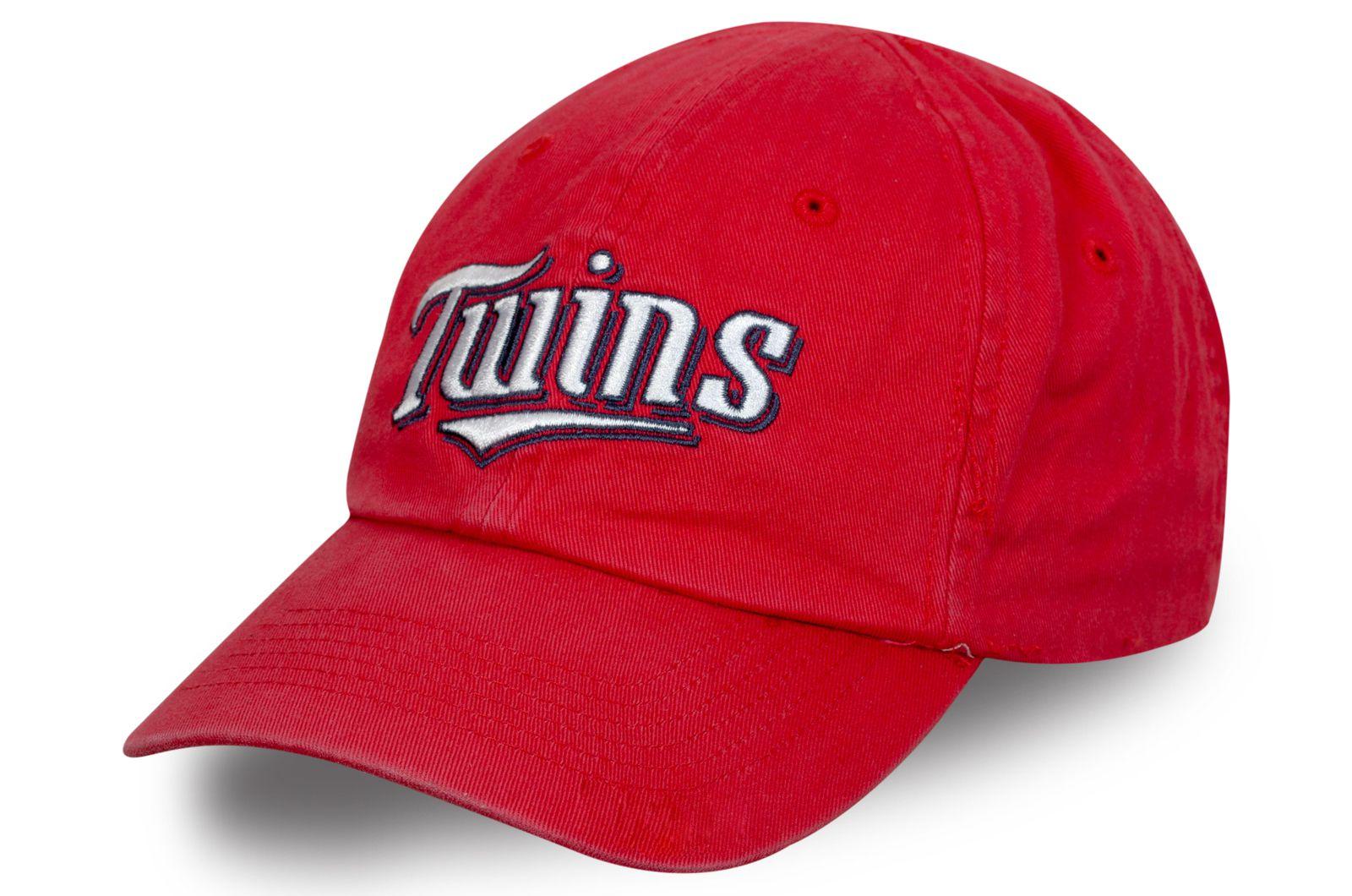 Спортивная бейсболка Twins красного цвета