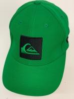 Спортивная бейсболка насыщенного зеленого цвета