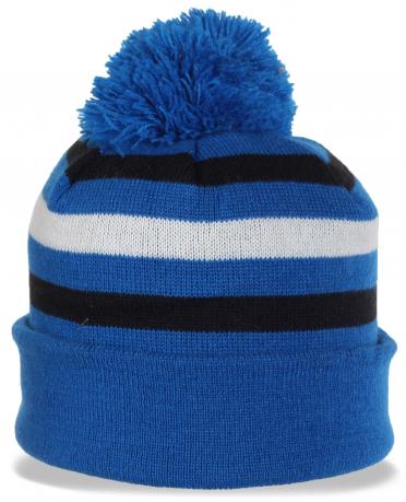 Спортивная молодежная шапка с отворотом и бубоном. Выигрышное решение в этом сезоне – и тепло и стильно и недорого