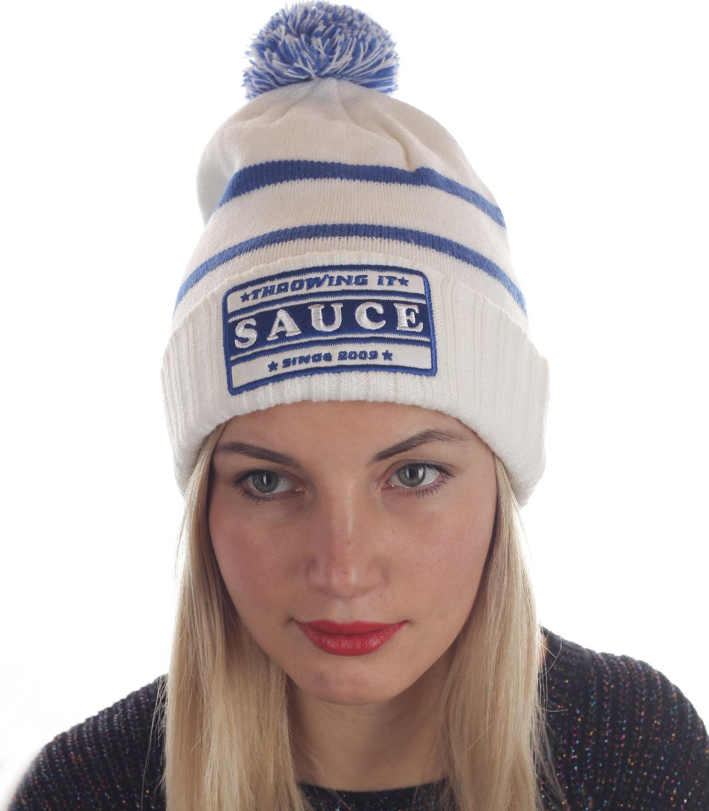 Недорогая женская шапка с бубоном