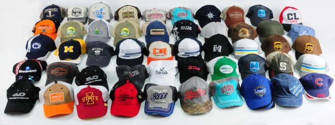 Самые востребованные среди покупателей спортивные бейсболки с брендовыми логотипами