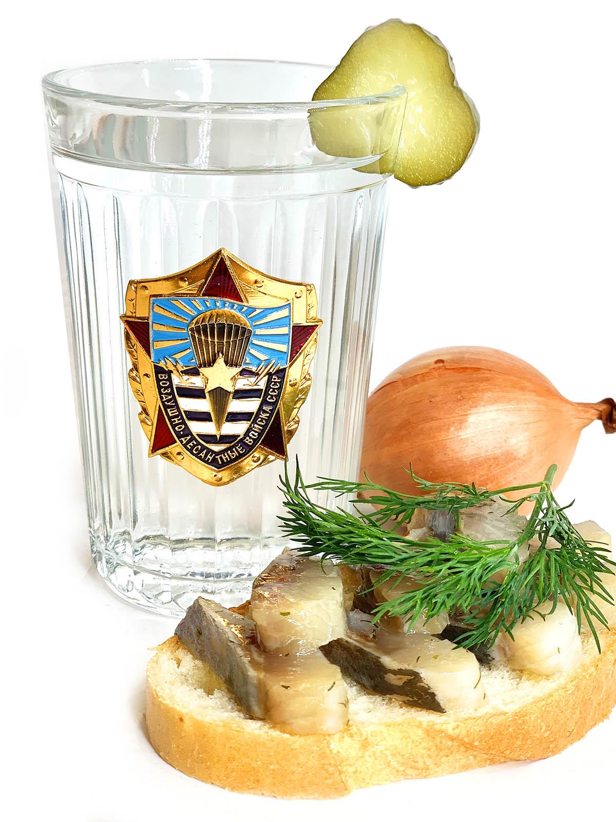 Граненый стакан с символикой ВДВ СССР