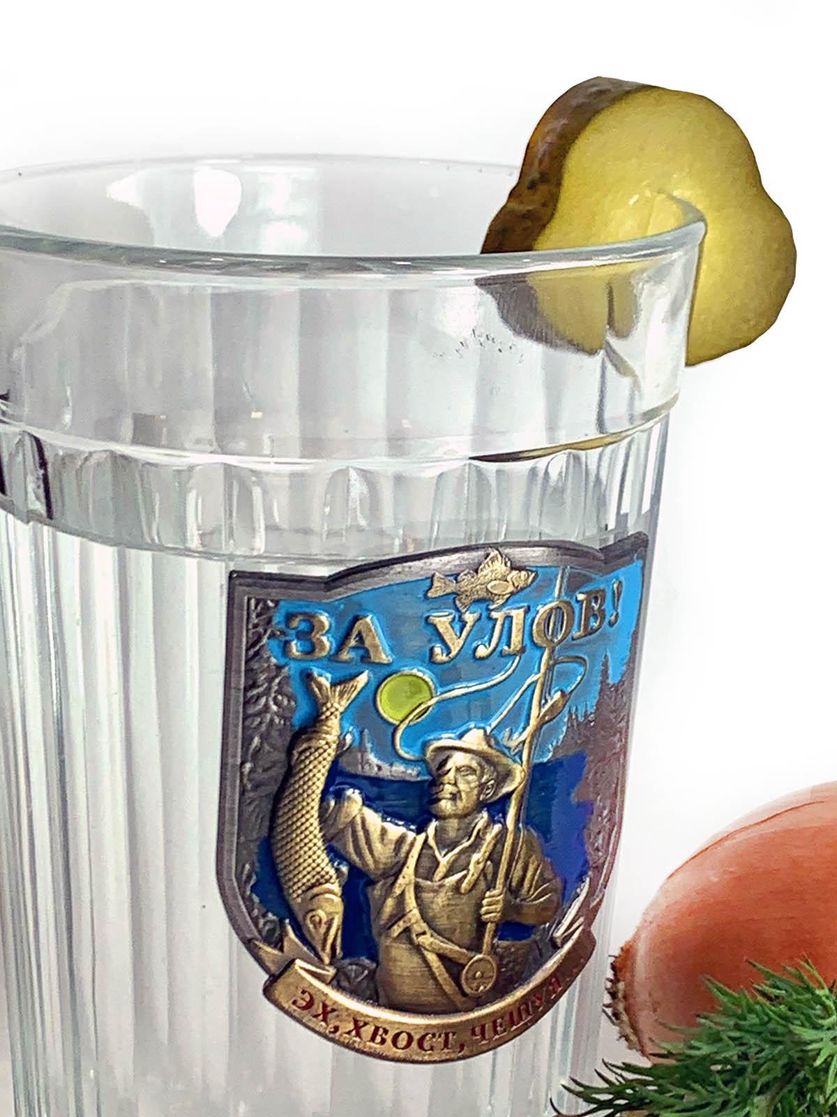 Граненый стакан на подарок рыбаку