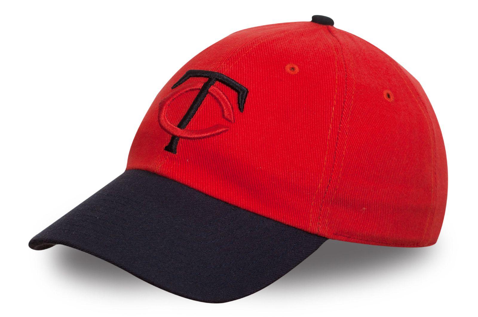 Стильная бейсболка черно-красная