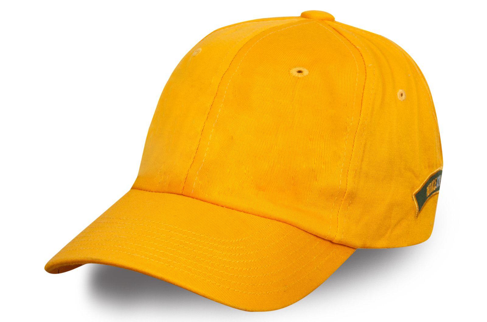 Стильная бейсболка желтая