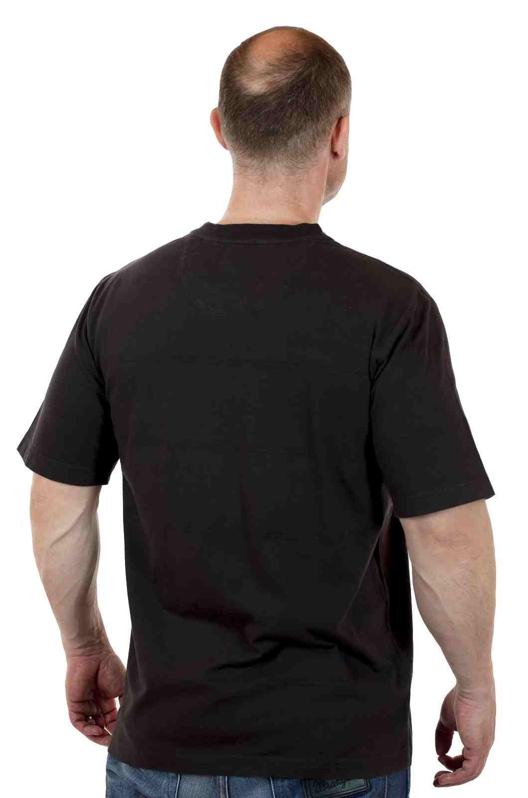Стильная футболка от американского бренда Roundtree&Yorke-сзади