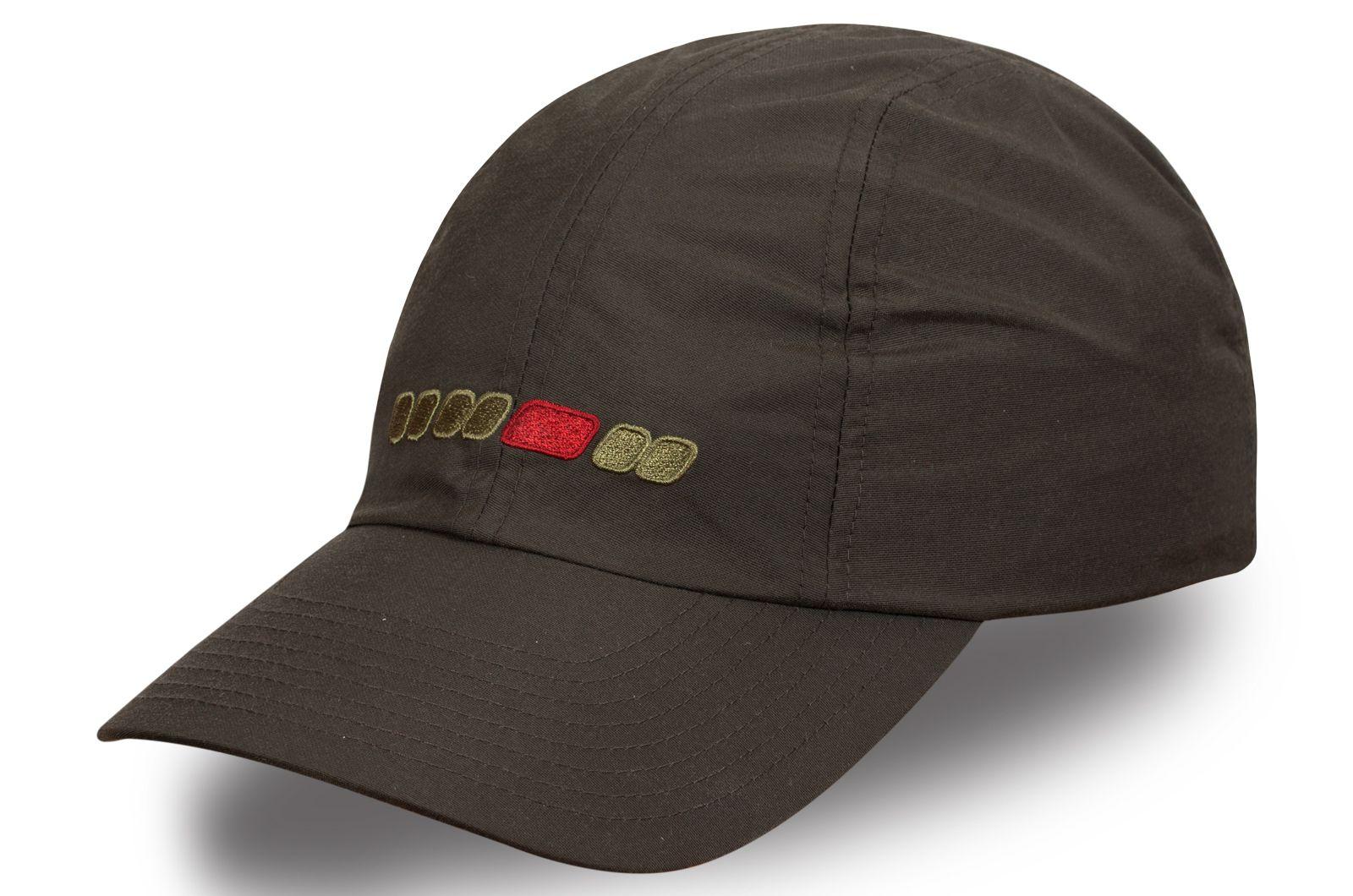 Стильная кепка цвета хаки