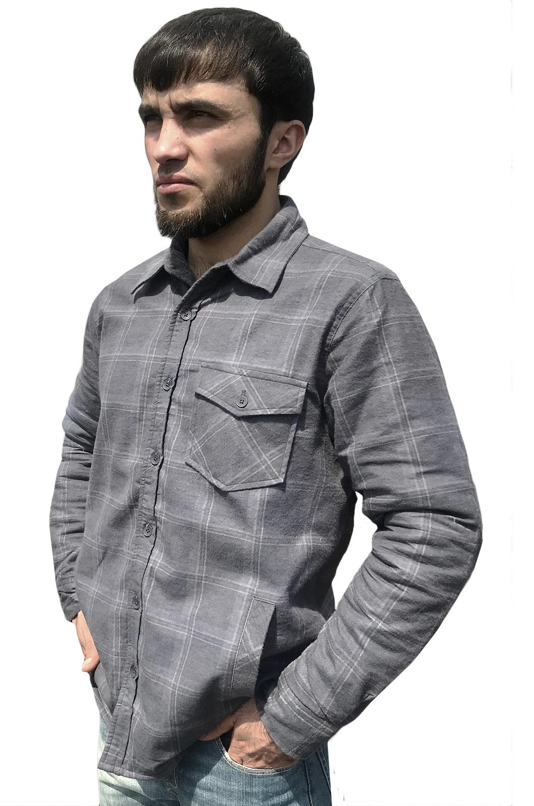 Стильная клетчатая рубашка с вышитым полевым шевроном Новороссия - купить в розницу