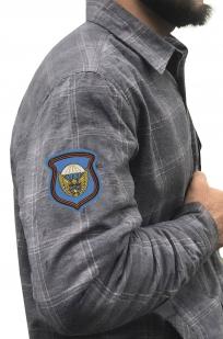 Стильная клетчатая рубашка с вышитым шевроном 106 гв. ВДД - купить в розницу