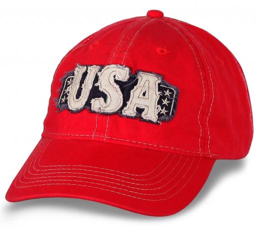 Стильная красная бейсболка с вышивкой USA