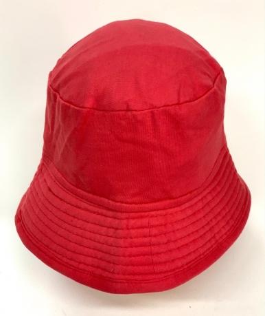 Стильная летняя панама красного цвета