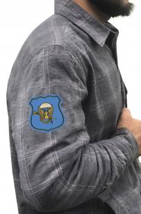 Стильная рубашка с вышитым шевроном Командования ВДВ - купить оптом