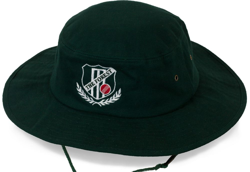 Стильная шляпа для лесных прогулок