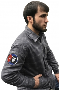 Стильная утепленная рубашка с вышитым шевроном Че Гевара - купить выгодно