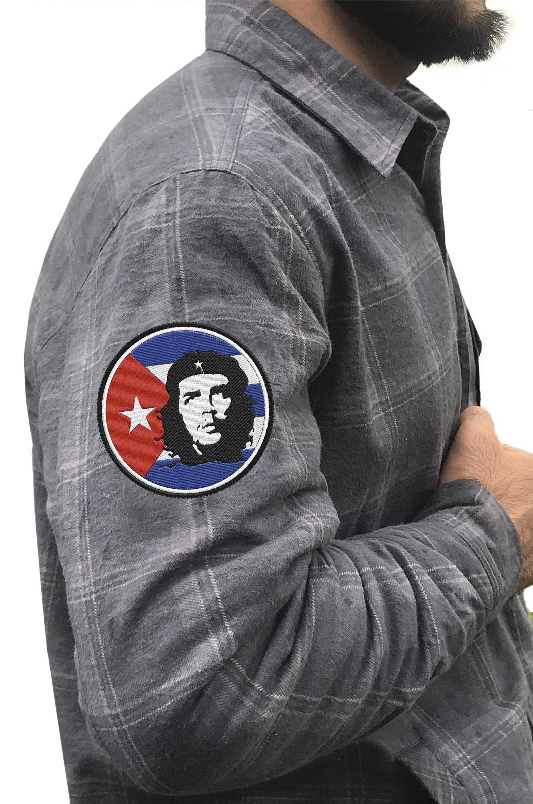 Стильная утепленная рубашка с вышитым шевроном Че Гевара - купить онлайн