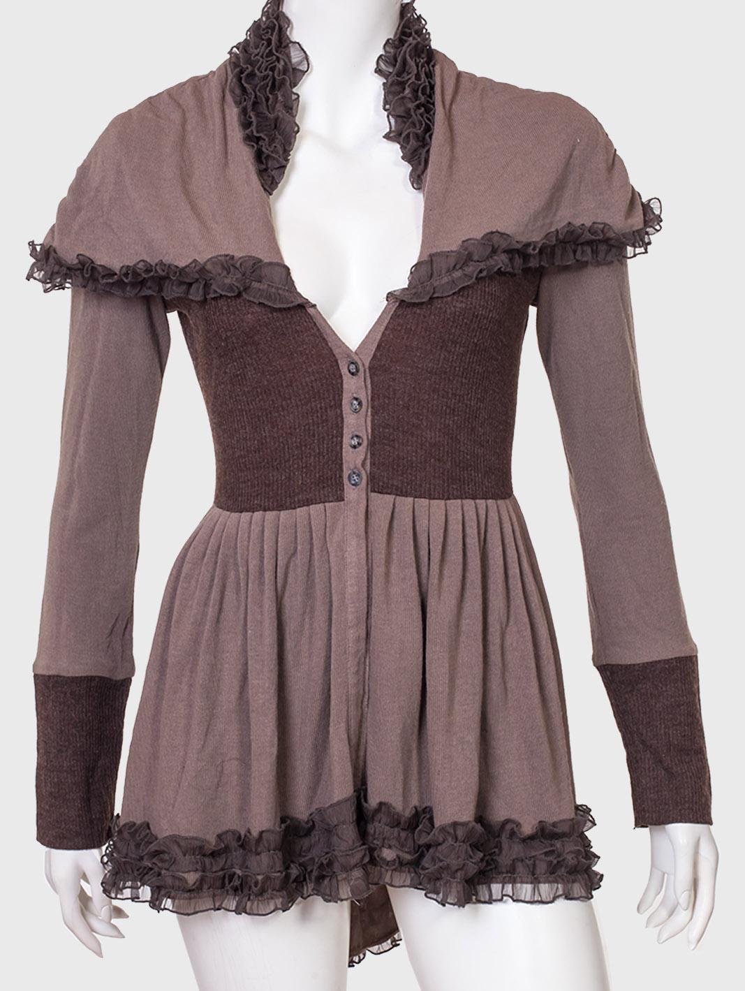 Стильная женская кофта-туника с большим вырезом и пуговицами