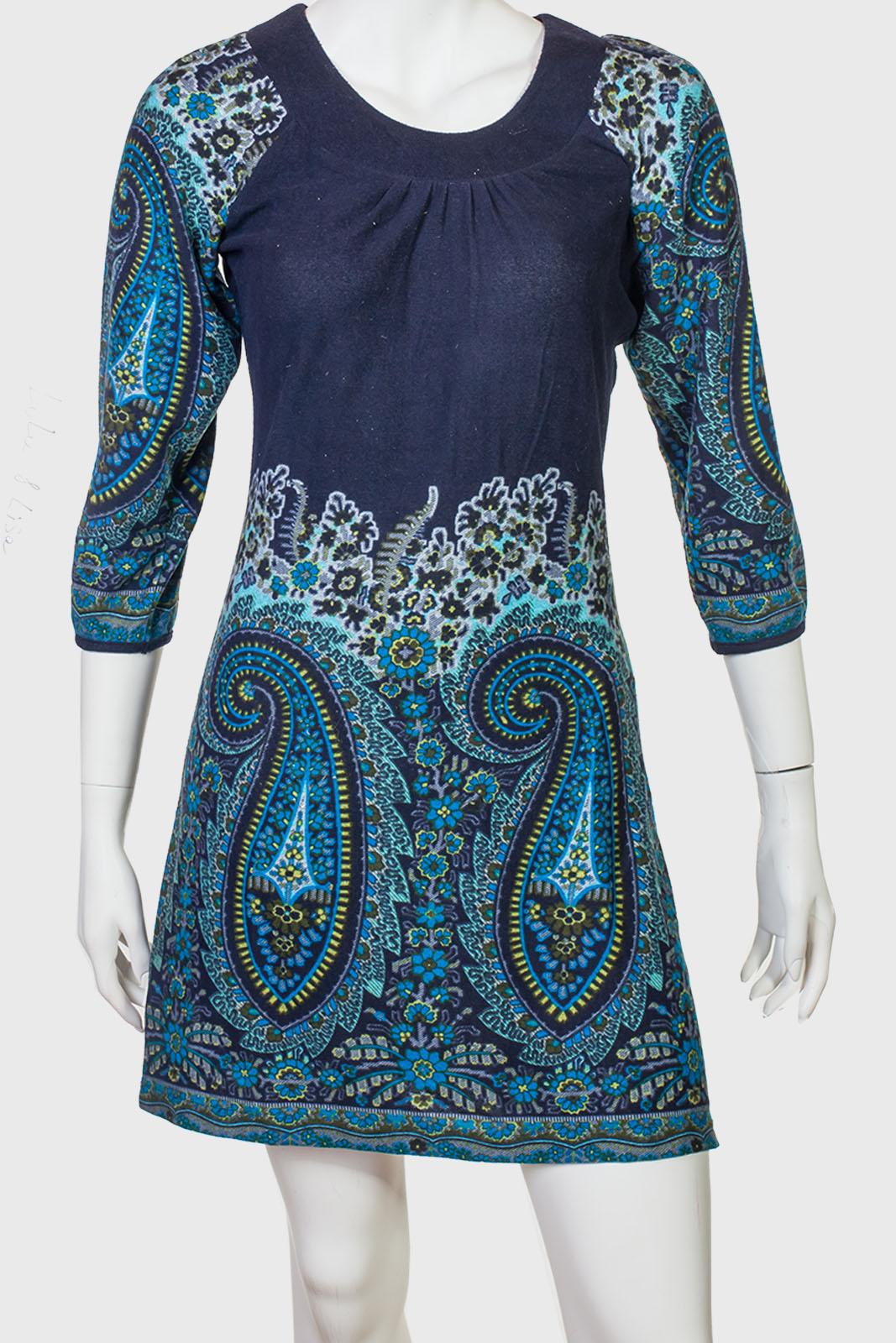 Стильное приталенное платье от бренда Lola & Lisa
