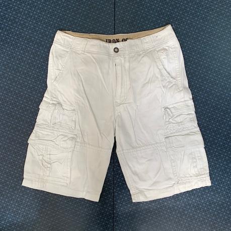 Стильные белые шорты от IRON CO