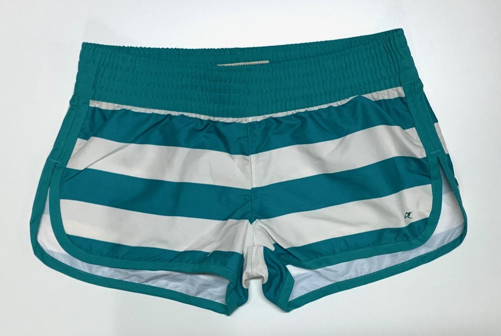 Стильные шорты женские в полоску