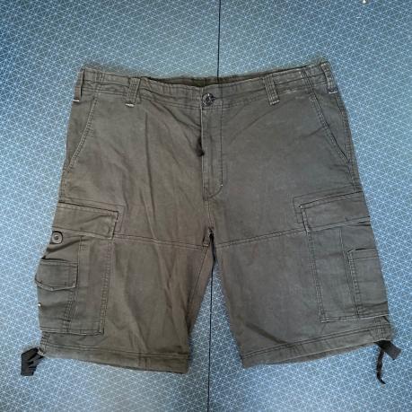 Стильные темные шорты от Brandit