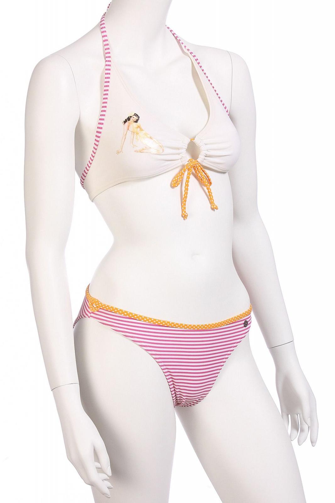 Нежно-розовый купальник для девушек