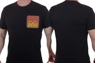 Строгая мужская футболка с вышивкой Кельтский узел
