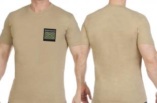 Строгая песочная футболка с вышитым полевым шевроном Новороссия - купить в Военпро