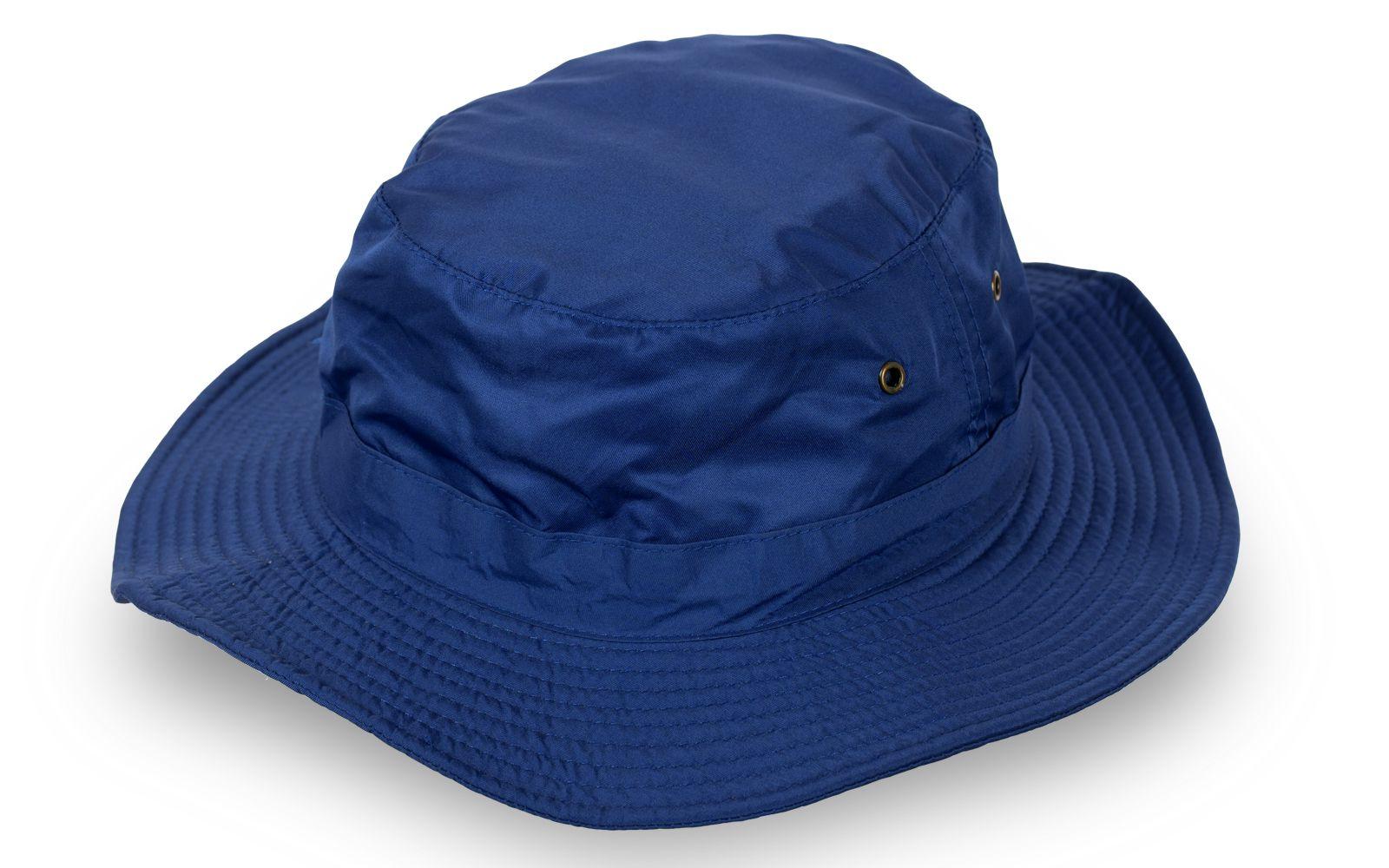 Строгая шляпа для отдыха на Черном море