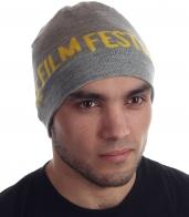 Суперстильная шапка с надписью