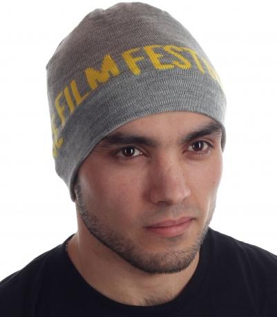 Суперстильная шапка с надписью для поклонников зимнего вида спорта