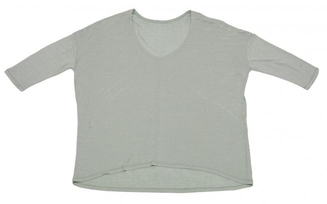 Светлая кофточка с рукавом 3/4 и удлиненной спинкой. Модная вещь от Karisma!