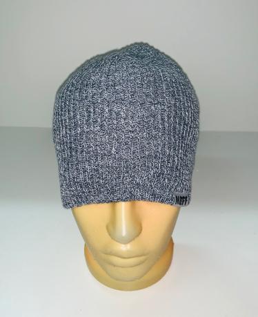 Светлая крутая шапка
