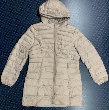 Светлая женская куртка от FREE QUENT