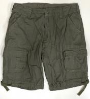 Светло-оливковые шорты мужские с накладными карманами