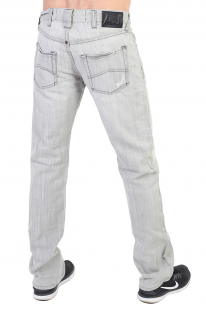 Светло-серые мужские джинсы с имитацией заплатки