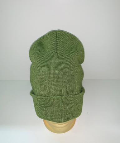 Светло-зеленая стильная шапка