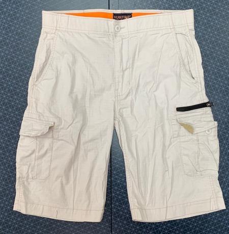 Светлые мужские шорты с карманами от  WEAR FIRST