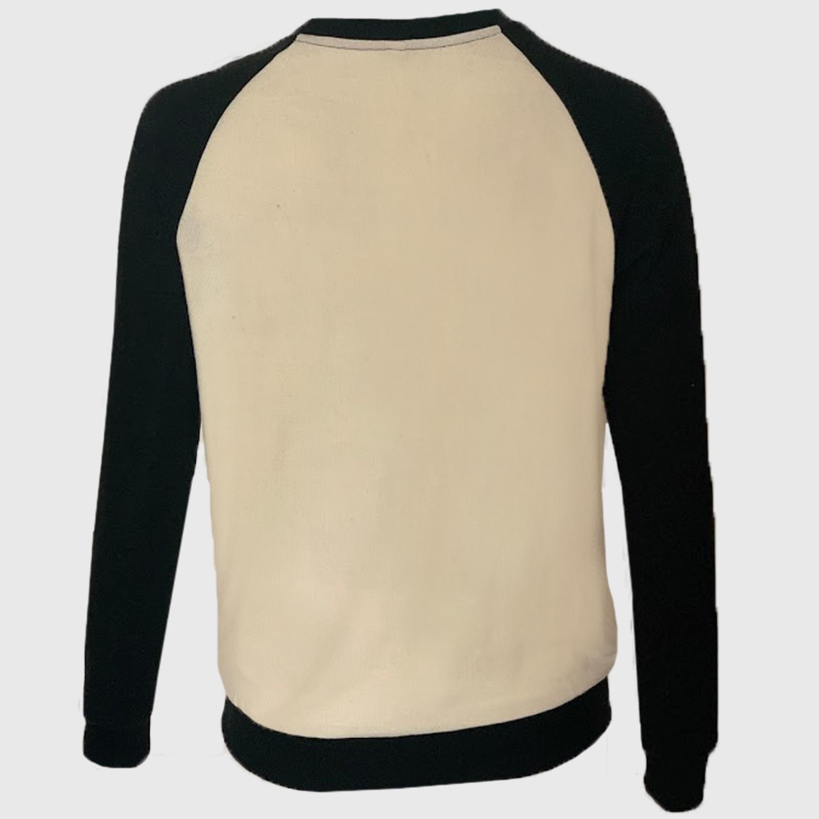 Модный молодежный свитер с контрастными рукавами