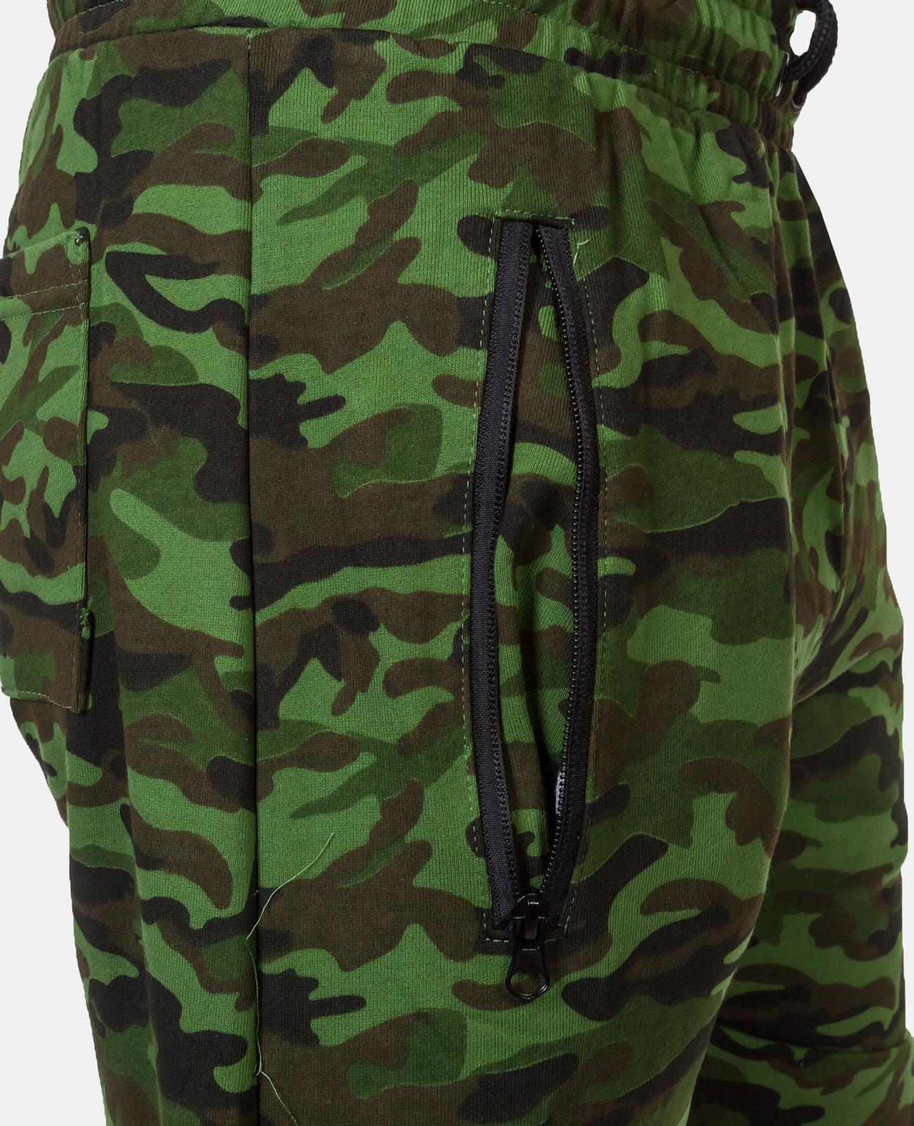 Свободные камуфляжные шорты с нашивкой Росгвардия - заказать оптом