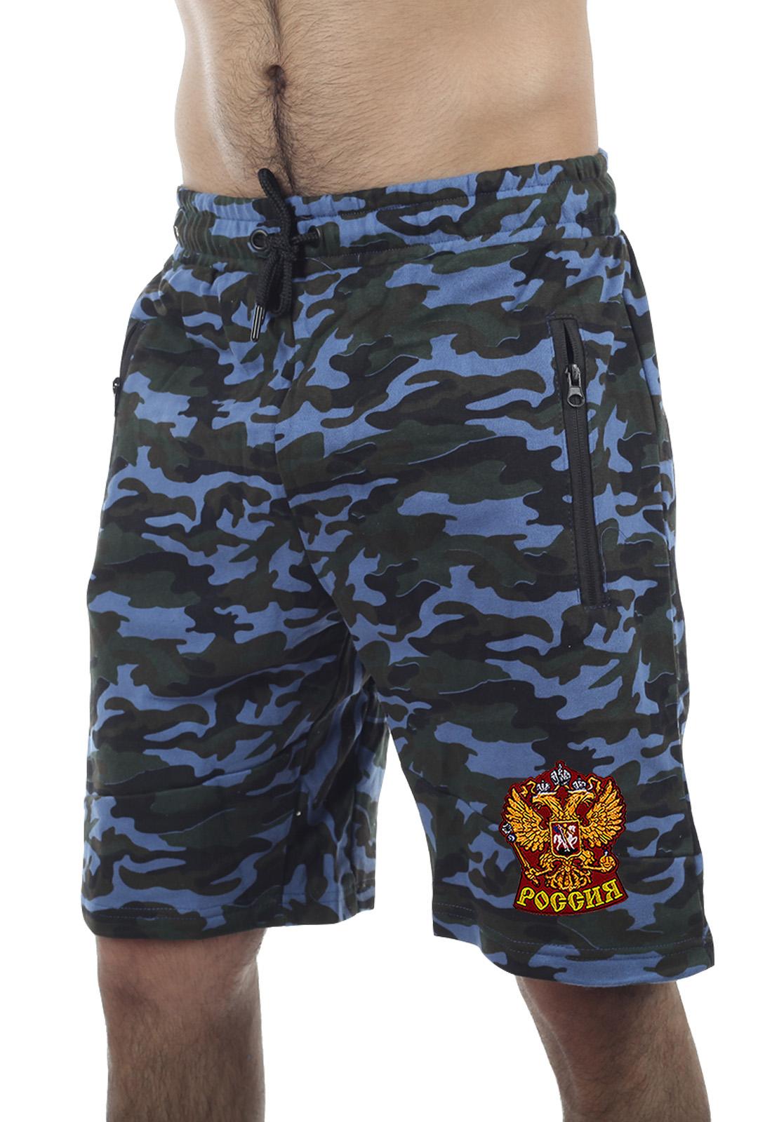 Купить свободные милитари шорты с нашивкой Россия с доставкой онлайн