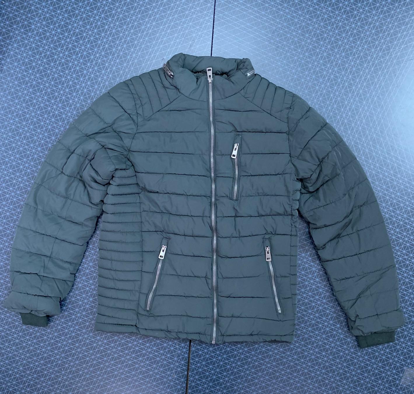 Темная мужская куртка от MASSICHE AND CO.