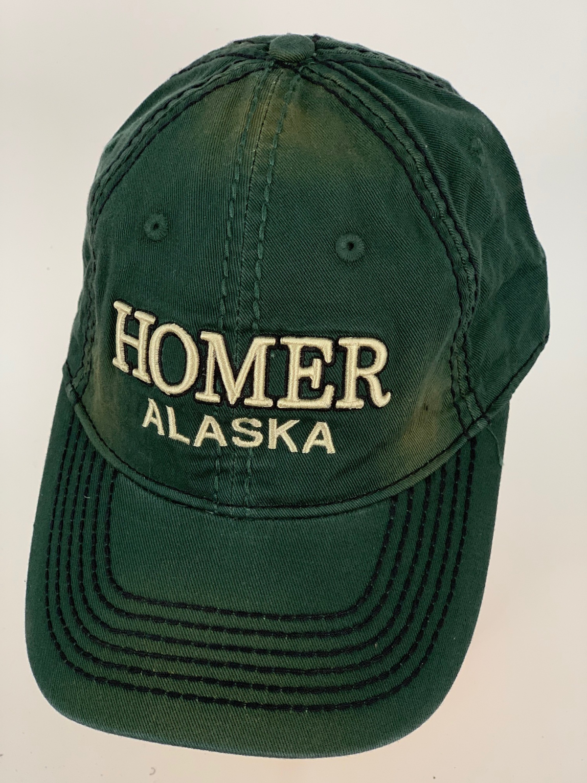 Темно-изумрудная бейсболка Alaska с бежевой вышивкой