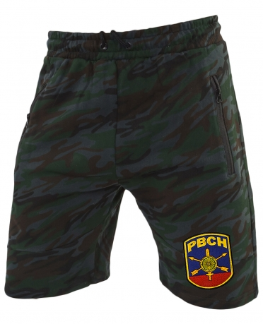 Темные камуфляжные шорты с нашивкой РВСН