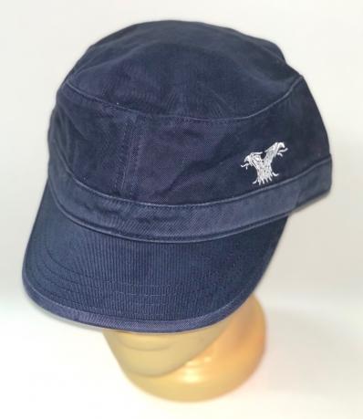 Темно-синяя кепка-немка с лаконичной вышивкой