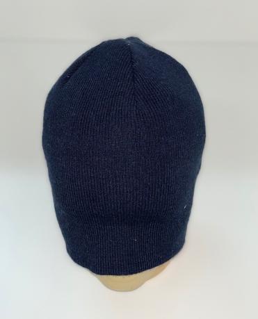 Темно-синяя лаконичная шапка