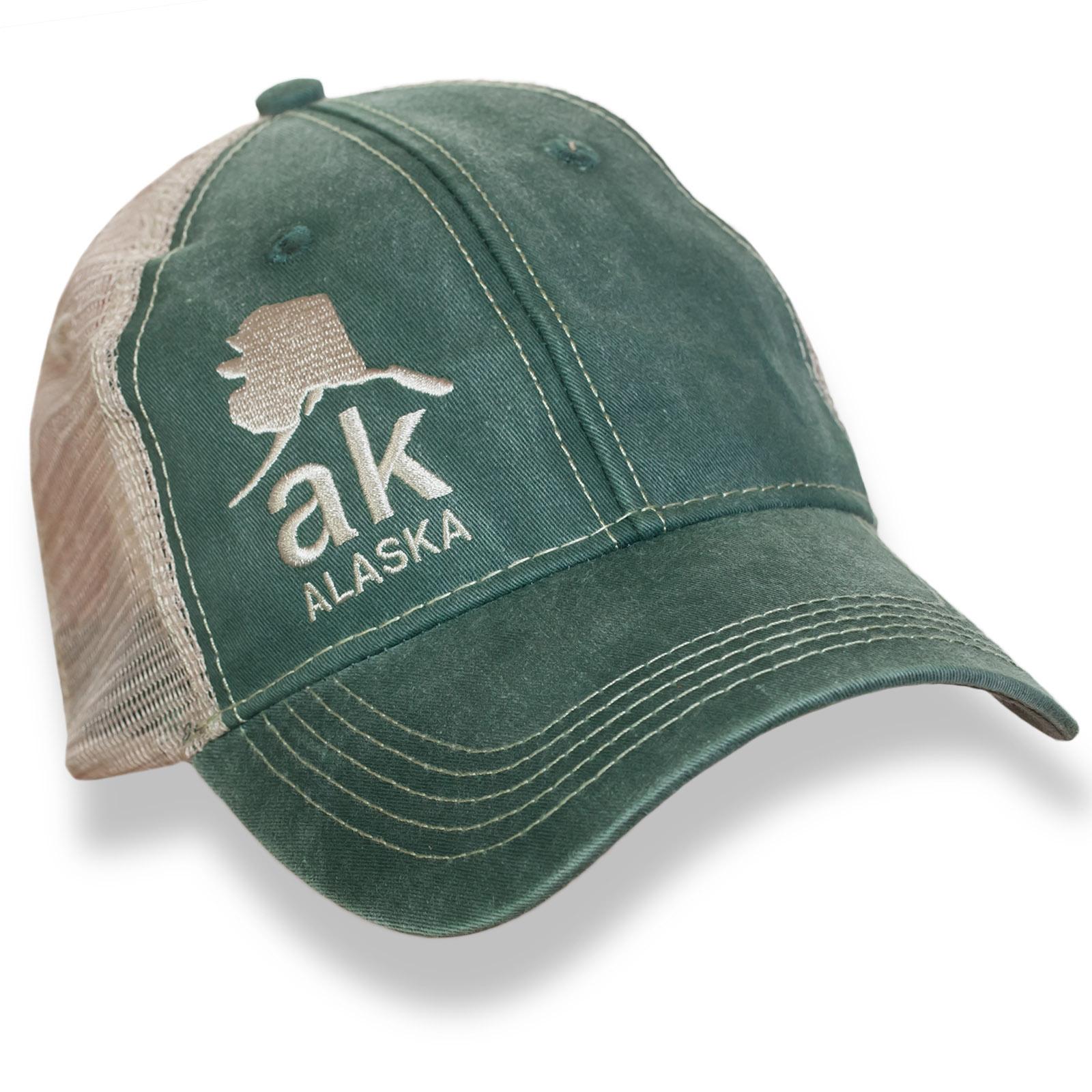 Темно-зеленая бейсболка Alaska с бежевой сеткой и вышивкой