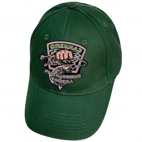Темно-зеленая кепка рыбака