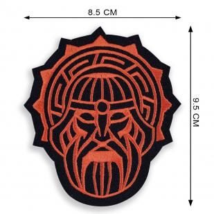 Черная толстовка с символом Сварога.