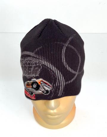 Топовая шапка с крутым принтом
