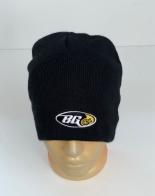 Топовая шапка с небольшой вышивкой